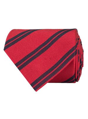 7ad473b5ab8 ... stickad slips och ett par jeans, kanske med en V-ringad tröja mellan  skjortan och kavajen, blir ett riktigt välklätt men fortfarande ledigt  alternativ.