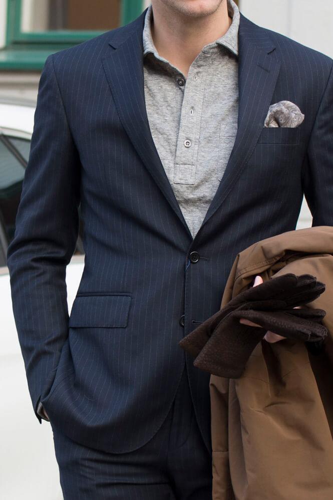 Kostym med pikétröja