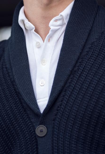 Cardigan och jerseyskjorta