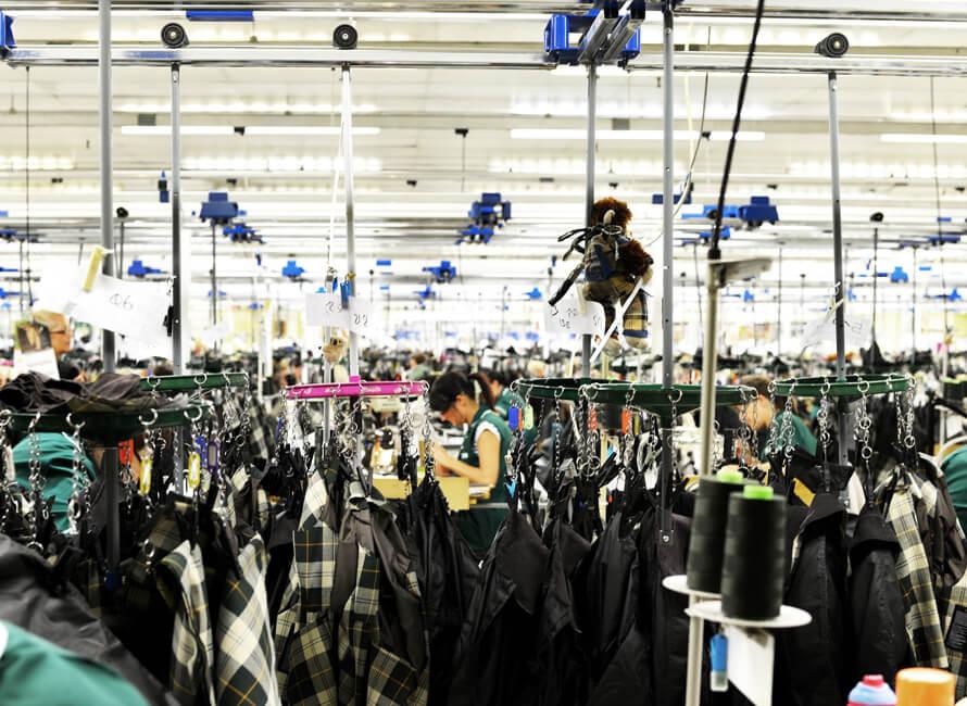 Bild från produktionen inne i fabriken.
