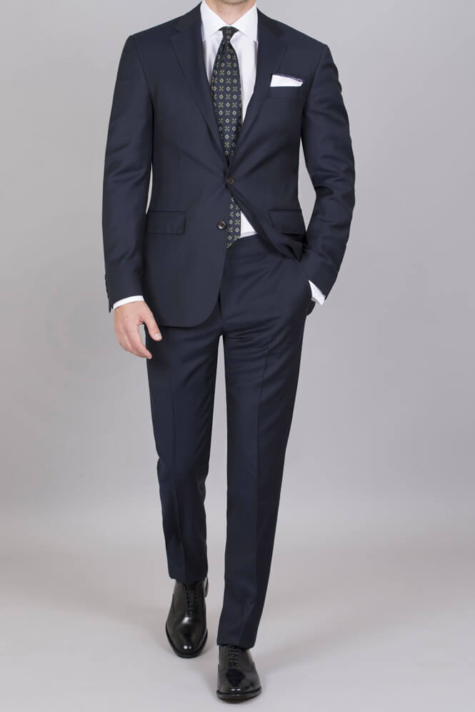 Klädkoden mörk kostym