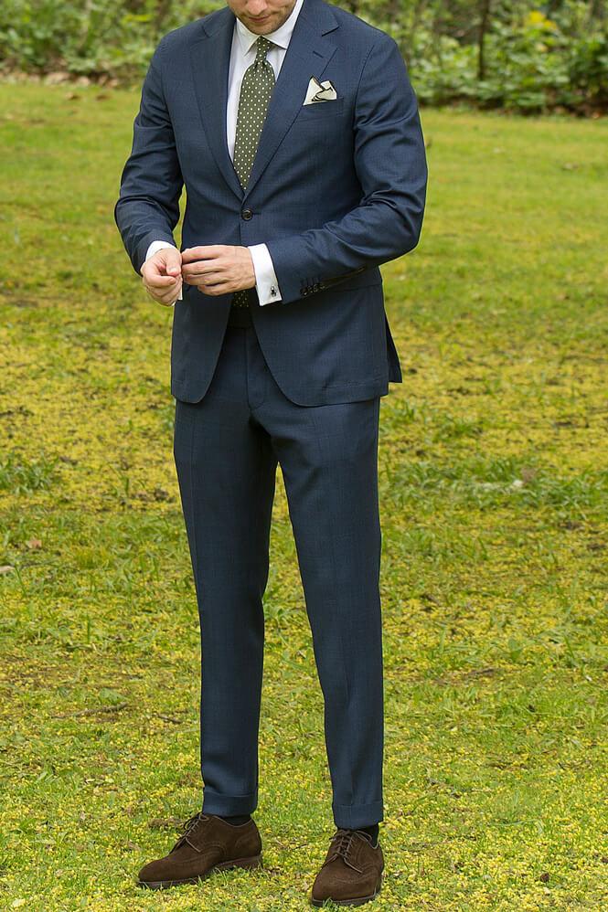 blå kostym bröllop