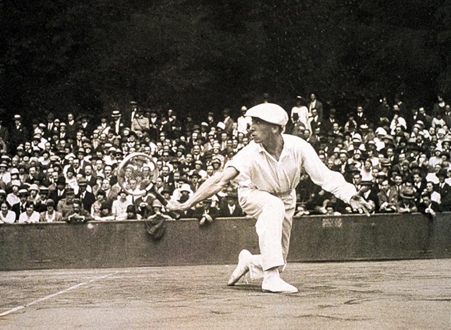 René Lacoste spelar tennis