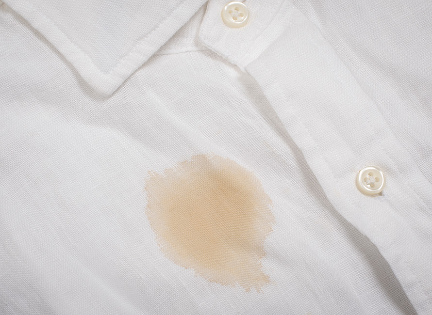 En vanskelig flekk på skjorta betyr ikke at den ikke kan