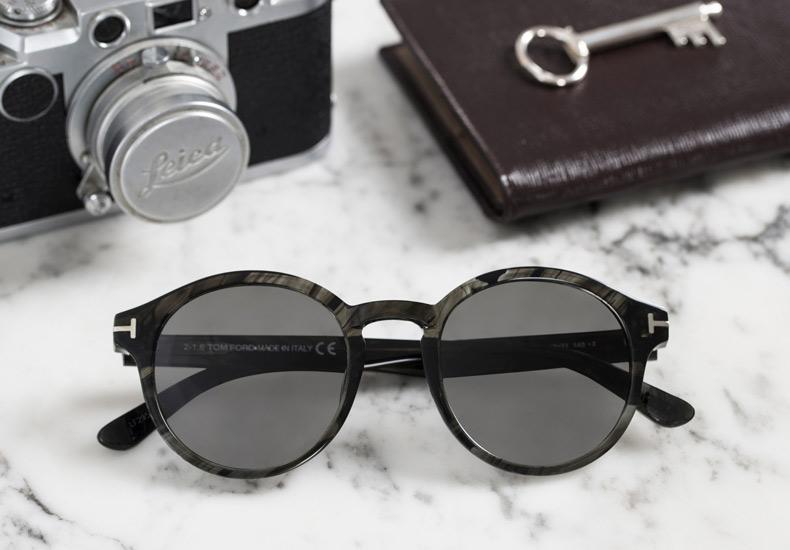 Ta hand om solbrillerne dine